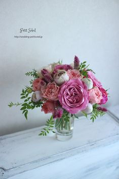 バラがメインのクラッチブーケ。ピンク系ですが秋なのでちょっと落ち着きのある色合わ... Floral Bouquets, Wedding Bouquets, Wedding Flowers, Pink Clutch, Sheer Beauty, Flower Boxes, Flower Decorations, Wedding Colors, Floral Arrangements