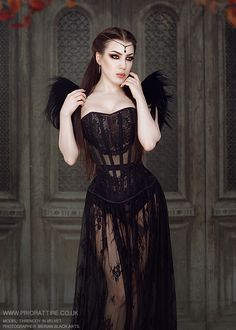 Model: Threnody In Velvet Corset: Prior Attire Hair harness by Metamorph Quirky Couture Welcome to Gothic and Amazing |www.gothicandamazing.org