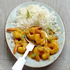 Découvrez la recette du riz aux crevettes curry et coco