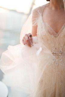 Gold + Sparkly Kimmel Center Wedding | Photos