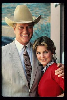 Priscilla Presley näytteli 1980-luvulla tv-sarja Dallasissa. Hänen roolihahmonsa Jenna Wade nähtiin sekä J.R.:n (Larry Hagman) että Bobbyn (Patrick Duffy) rinnalla.