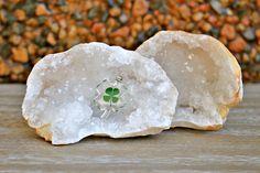 Pendente Trevo de 4 Folhas | Amuleto do Dia 1# | 19 de Maio de 2017 | Lado Violeta | #luckyclover #crystals #amulet #mysticdecor #mysticjewelry