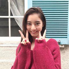 Cute Woman, Asian Beauty, Actors & Actresses, Eye Candy, Beautiful Women, Turtle Neck, Kawaii, Japanese, Pullover