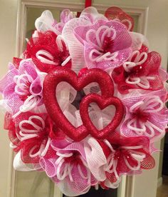 Valentine's Day, Valentine's Wreath, Poly Mesh Wreath, Geo Mesh Wreath, Wreaths for the Door