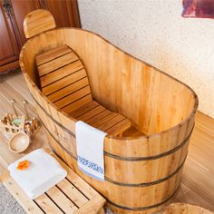 Indoor freestanding 1 person hot tub small cedar bath tub bathing massage whirlpool used bathtub Source by delpheia The post Indoor freestanding 1 person hot tub small cedar bath tub bathing massage whirlp& appeared first on May Design School. Wood Bathtub, Walk In Bathtub, Concrete Bathroom, Wood Tub, Small Bathtub, Freestanding Bathtub, Bathtubs For Sale, Bathtub Sizes, Japanese Soaking Tubs