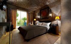 Die Wandfliesen werden durch eine originelle Decke und Laminat hervorgehoben
