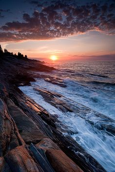 Sunrise at Pemaquid Point, New Harbor, Maine #scenesofnewengland #soNE #soMaine #soME #sunrise