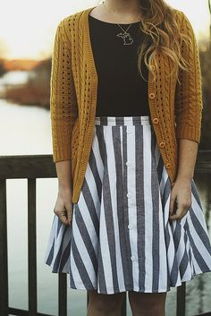 This outfit is too adorable! Skirt looks like it could totally be DIY-ed! Mode Style, Style Me, Mode Pop, Dress Up, Zooey Deschanel, Stripe Skirt, Mode Vintage, Up Girl, Looks Cool