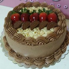 Cake Buttercream Cake Designs, Cake Icing, Cupcake Cakes, Gourmet Cakes, Different Cakes, Dessert Decoration, Cake Board, Cake Decorating Techniques, Love Cake