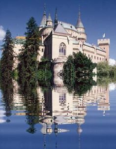The Castle Bojnice, a historical landmark in Slovakia Real Castles, Famous Castles, Bratislava, Places To Travel, Places To See, Travel Destinations, Places Around The World, Around The Worlds, Wanderlust