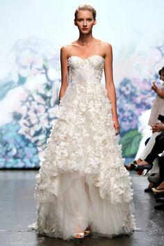 Monique Lhuillier Bridal, otono-invierno 2012