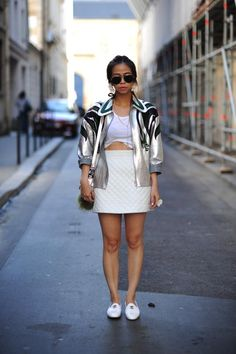PARIS / ELLE Thailand editor:Ploy Chava / outer: miumiu / skirt: TOPSHOP / shoes: CHANEL