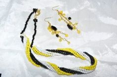 Black, Gold & White Twisted Beads Necklace