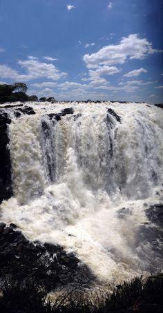 Caída de agua del parque La Llovizna - Puerto Ordaz, Venezuela