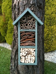 Taller Bee Hotel A house for solitary bees. Maybe it would keep the Mason Bees off the deck.A house for solitary bees. Maybe it would keep the Mason Bees off the deck. Carpenter Bee Trap, Bee Traps, Bug Hotel, Mason Bees, Garden Insects, Hotels, Save The Bees, Bees Knees, Bee Keeping