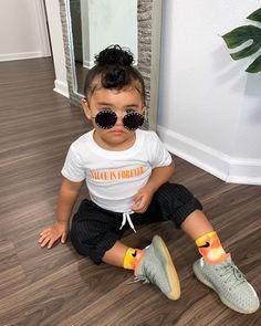 𝐒í𝐞𝐧𝐚 𝐏𝐫𝐞𝐬𝐥𝐞𝐲 𝐒𝗺𝐢𝐭𝐡 (@sienapresley) • Instagram photos and videos Presley Smith, Siena, Fur Slides, Photo And Video, Sandals, Shoes, Instagram, Videos, Fashion