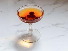 La Louisianne Cocktail - 2 oz. rye whiskey 1⁄2 oz. sweet vermouth 1⁄4 oz. Benedictine 3 dashes Peychaud's bitters 2 dashes absinthe Maraschino cherry, to garnish