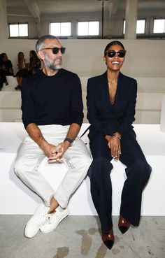 Vincent Cassel & Tina Kunakey in Roberto Cavalli attending the 2019 Fashion Show. Fashion Mode, Minimal Fashion, Fashion 2020, Look Fashion, New Fashion, Fashion News, Tina Kunakey, Vincent Cassel, Stylish Couple