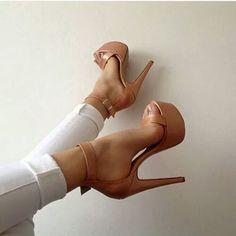 Yo Amo los Zapatos | via Facebook