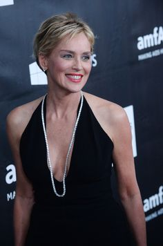 Older short hair cuts sharon stone short pixie cuts for for Coupe de cheveux sharon stone 2012