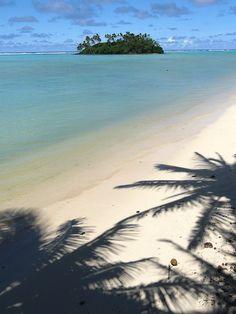 The Cook Islands, Rarotonga beach by suzanne Hallam, via Flickr