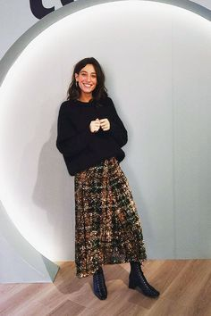 Zara sequin skirts: Laura Jackson wearing Zara sequin maxi skirt 24 Easy Sytish Ways to Recreate Sequin Skirt Outfits Mode Outfits, Casual Outfits, Fashion Outfits, Womens Fashion, Vegas Outfits, Club Outfits, Club Dresses, Zara Fashion, Cheap Fashion