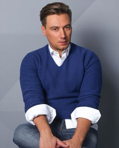 Руслан Алехно   Официальное сообщество Men Sweater, Sweaters, Fashion, Moda, Fashion Styles, Men's Knits, Sweater, Fashion Illustrations, Sweatshirts