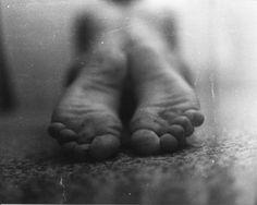 http://squeaky-clean.deviantart.com/art/Feet-12661747?q=favby%3Asrtaborboleta%2F8564839=12