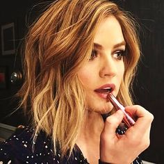 (Lucy Hale) Hi I'm Anna Price. I'm 21. Single. Alyssa and Chloe are my sisters. I'm the manager of The Price Cafe. Alyssa is my co-manager. Introduce?