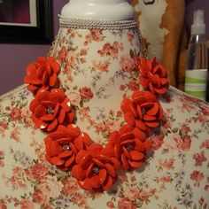 New chunky statement flower necklace Excellent condition. Coral/red color. Jewelry Necklaces