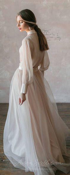 Vintage Brautkleid aus Naturseide und Tüllrock erröten. Viktorianisches Hochzeitskleid, Sommerhochzeitskleid, einfaches Hochzeitskleid 0134 #brautkleid #erroten #hochzeitskleid #naturseide #tullrock #viktorianisches #vintage