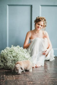 Spring wedding ideas ⎪ Antonova Kseniya Photography ⎪ see more on:  http://burnettsboards.com/2015/04/spring-nature-bridal-portraits/