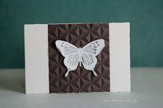 der kleine klecks Schmetterlingskarte - butterfly card Papiere aus dem Januarkit der Papierwerkstatt Next Level Embossing von We R Memorykeepers - geometric Schmetterlingstanzformen von Kesi´art - Papillons - metaliks