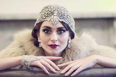 Vaudeville Art Deco Bohemian Crystal Headpiece by WillowMoone --- introduction look Moda Vintage, Vintage Mode, Estilo Gatsby, Moda Art Deco, 1920s Headpiece, Bohemian Headpiece, Headdress, Hippie Stil, Art Deco Stil