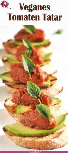 Dieses Tomatentatar ist wahnsinnig variabel. Ob ihr das Tatar scharf oder mild mögt, könnt ihr selber bestimmen. Ihr könnt es als Hauptspeise, Vorspeise oder als Snack anbieten. Die sonnen gereiften Tomaten versprühen den Geschmack des Sommer's und laden euch zum schlemmen ein. #tomaten #tatar #vegan #vegetarisch #snack