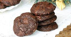 Double Chocolate Chunk Cookies :: Home Cooking Adventure Chocolate Chunk Cookies, Love Chocolate, Chocolate Heaven, Meringue Cookies, Coconut Cookies, Recipe Master, Orange Cookies, Christmas Cookies, Good Food
