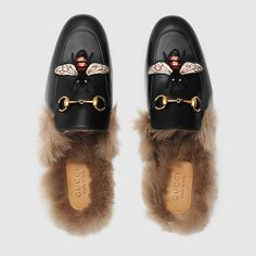 Princetown slipper with bee - Princetown Gucci - Ideas of Princetown Gucci - Princetown slipper with bee Guccio Gucci, Gucci Shoes, Gucci Black, Shoes Sandals, Gucci Loafers For Men, Gucci Mule, Loafer Shoes, Heels, Leather Slippers