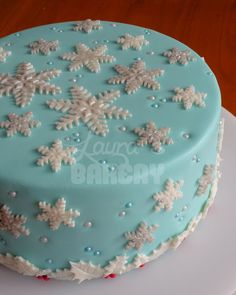 """Every year since we had our oldest daughter we have made a """"Happy birthday Jesus"""" cake. I think this would be great this year. Christmas Cake Designs, Christmas Cake Decorations, Christmas Desserts, Christmas Treats, Christmas Baking, Christmas Cakes, Holiday Cakes, Blue Christmas, Beautiful Christmas"""