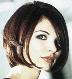 Oblong Face Shape Hairstyles -- Best haircuts and hair styles for women with oblong (or long) face shapes.: A Gorgeous Bob for a Long Face Angled Bob Hairstyles, Short Bob Haircuts, Medium Hairstyles, Haircut Bob, Haircut Short, Hairstyle Short, Style Hairstyle, Face Shape Hairstyles, Cool Hairstyles