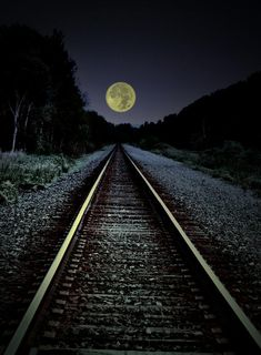Railroad tracks and a full moon. There's always something magical about trains--and then you add the moon! Trains, Beautiful Places, Beautiful Pictures, Beautiful Moon Images, Shoot The Moon, Photos Voyages, Moon Art, Train Tracks, Belle Photo