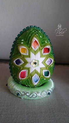 Vajíčko s ozdobným podstavcom #7