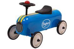 Potkuauto sininen  95.77 €  Baghera potkuauto. Hieno potkuauto, jolla kelpaa ajella. Ikäsuositus +1v. Potkuauto kooltaan 61 x 21cm.