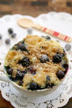 Blueberry muffin in a mug, microwave breakfast muffin, microwave muffin in a mug, Breakfast in a mug, microwave mug breakfast, 1 minutes breakfast in a mug, recipes for students, dairy free recipes, healthy recipes, Microwave mug Meal recipes, Microwave Mug Meals, Microwave meals, microwave cooking, Mug cakes, Microwave mug, 1 minutes Microwave mug cakes, 1 minutes Microwave mug recipes, Microwave meals, Microwave recipes, recipes for students, recipes for college, Easy dinner recipes…
