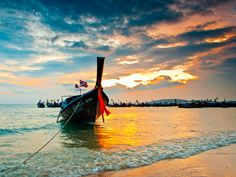 {flickrtitile} -     Longboat on the beach / Krabi / Thailand / 27.01.2011  Image by mksystem My another pictures from Thailand: issuu.com/mksystem/docs/thailand-small     - http://thailand.mycityportal.net/2013/04/flickrtitile-184/ - http://thailand.mycityportal.net