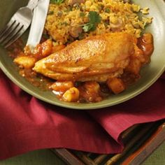 Pollo guisado (stewed chicken)