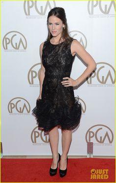 """Jennifer Garner.    Producers Guild Awards 2013.    """"Oscar de la Renta dress with Brian Atwood shoes, Cartier jewels, and a Roger Vivier bag"""""""