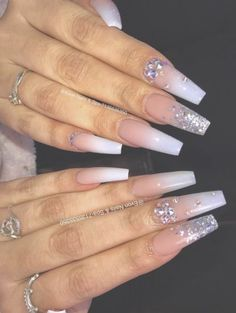 Semi-permanent varnish, false nails, patches: which manicure to choose? - My Nails Aycrlic Nails, Dope Nails, Bling Nails, Fun Nails, Gradient Nails, Coffin Nails, Perfect Nails, Gorgeous Nails, Pretty Nails