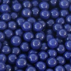 Dark navy blue sixlets are both tasty and classy.