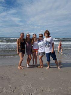Wakacje to dobry czas na integrację i nowe znajomości. #wakacje #plaża #lato2015 #morze