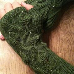 Ravelry: piratenkoenigin's the green thing.
